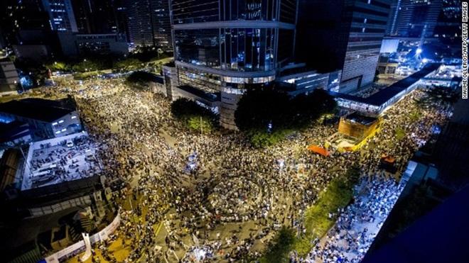 Khoảng 20.000 người tham gia biểu thình ở HK - Thực phẩm An Tâm
