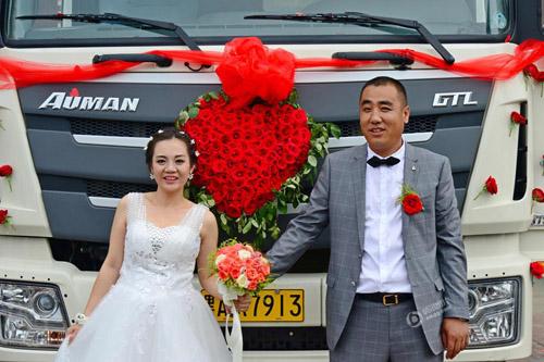 vợ chồng xe tải rước dâu